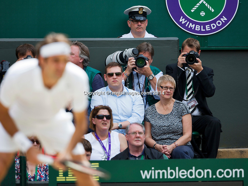 July 6, 2014, UK, London, Tennis, Wimbledon, AELTC, Men's Singles Final:  Novak Djokovic (SRB) vs Roger Federer (SUI), Pictured: American star photographer Fred Mullane at work<br /> Photo: Tennisimages/Henk Koster