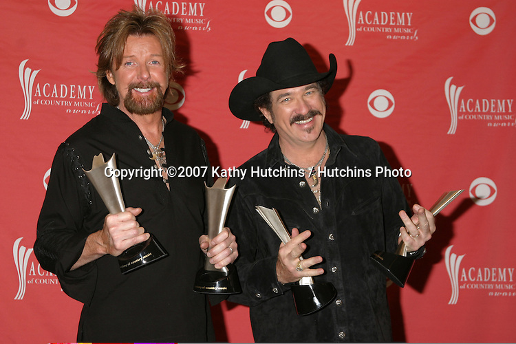 Brooks and Dunn.Academy  of Country Music Awards.MGM Grand Garden Arena.Las Vegas, NV.May 15, 2007.©2007 Kathy Hutchins / Hutchins Photo....