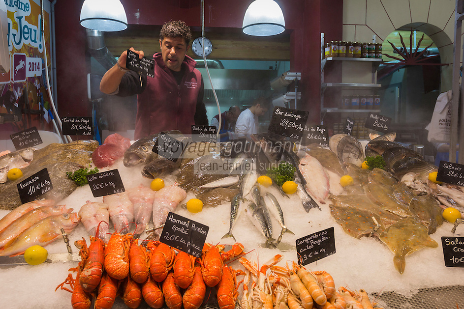 France, Calvados (14), Côte Fleurie, Trouville-sur-Mer,  la Halle aux poissons de Trouville-sur-Mer, étal de la Poissonnerie Pillet-Saiter , Sébastien Saiter //  France, Calvados, Côte Fleurie, Trouville sur Mer,  Trouville sur Mer , the fish market, fish shop Pillet-Saiter , Sébastien Saiter<br />  [Non destiné à un usage publicitaire - Not intended for an advertising use] [Non destiné à un usage publicitaire - Not intended for an advertising use]