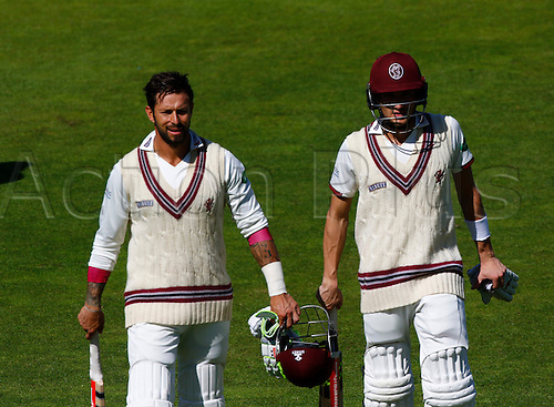 01.09.2016. Old Trafford, Manchester, England. Supersavers County Championship. Lancashire versus Somerset.  Peter Trago and Ryan Davies  took Somerset to 485-7 at lunch, adding an unbeaten 198 for the 8th wicket. Somerset resumed their first innings at 339-7 at the start of play today.