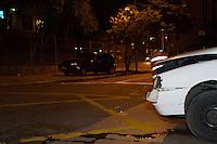 SAO PAULO, SP, 06.02.2014 -  ACIDENTE CARRO X CARRO - Colisão entre doi carros no cruzamento da Av Nove de Julho e Rua Groelandia na madrugada desta quinta feira (06) deixa uma faxia interditada, segundo informações apenas um senhor teve ferimentos leves e foi encaminhado para o PS do Hospital São Paulo. (Foto: Marcelo Brammer / Brazil Photo Press).
