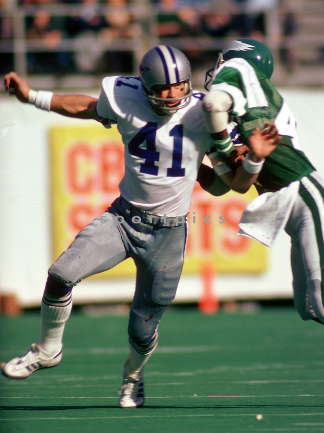 Dallas Cowboys Charlie Waters (41) during a game from his career with the Dallas Cowboys. Charlie Waters played 11 years, all with the Dallas Cowboys and was a 3-time Pro Bowler.(SportPics)