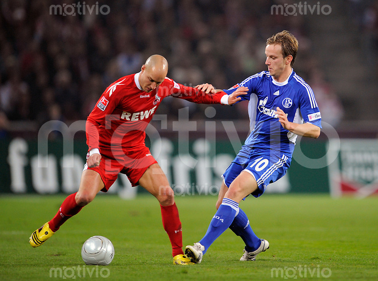 FUSSBALL   1. BUNDESLIGA   SAISON 2008/2009   6. SPIELTAG 1.FC Koeln - FC Schalke 04          26.09.2008 Ivan RAKITIC (re, Schalke) im Zweikampf mit Nemanja VUCICEVIC (li, Koeln).