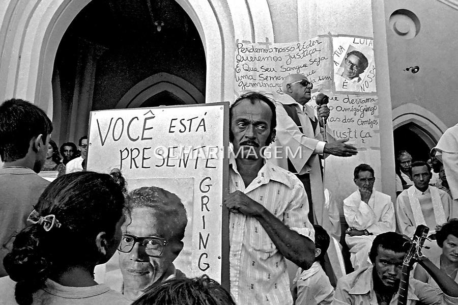 Culto ecumênico em memoria de lider de sindicato rural assassinado em Conceição do Araguaia, Pará. 1980. Foto de juca Martins.