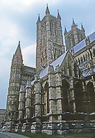 Lincoln: Lincoln Cathedral--looking to Western Towers from South Transept. Photo '90.