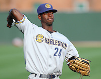 May 28, 2009: Outfielder Melky Mesa (24) of the Charleston RiverDogs, Class A affiliate of the New York Yankees, in a game against the Greenville Drive at Fluor Field at the West End in Greenville, S.C. Photo by: Tom Priddy/Four Seam Images