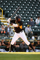 Bradenton Marauders outfielder Josh Bell (17) at bat during a game against the Palm Beach Cardinals on April 9, 2014 at McKechnie Field in Bradenton, Florida.  Palm Beach defeated Bradenton 3-1.  (Mike Janes/Four Seam Images)