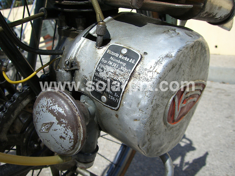 **ALL ROUND PICTURES FROM SOLARPIX.COM**.**WORLDWIDE SYNDICATION RIGHTS**. Almancil Classic bike festival 15th July 2007, Algarve, Portugal..This pic: A 1955 Ye Ye with a Victoria Worke engine..JOB REF:   4340 PPL        DATE: 15_07_2007.**MUST CREDIT SOLARPIX.COM OR DOUBLE FEE WILL BE CHARGED* *UNDER NO CIRCUMSTANCES IS THIS IMAGE TO BE REPRODUCED FOR ANY ONLINE EDITION WITHOUT PRIOR PERMISSION*
