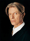 2002: DAVID BOWIE - Photosession