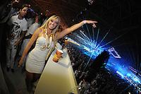 SAO PAULO, SP, 03 DE JUNHO 2012 - SKOL SENSATION 2012 - A modelo e dancarina Juliana Salimeni durante a edicao do 2012 do Festival Skol Sensation realizado no Anhembi na noite de ontem sábado, 02. (FOTO: MARCOS MADI / BRAZIL PHOTO PRESS).
