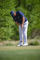 Shane Lowry (IRL) watches his putt on 2 during round 3 of the Houston Open, Golf Club of Houston, Houston, Texas. 3/31/2018.<br /> Picture: Golffile | Ken Murray<br /> <br /> <br /> All photo usage must carry mandatory copyright credit (&copy; Golffile | Ken Murray)