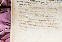 This entry carries the date of birth for Leonardo da Vinci (15 April 1452) and a list of the witnesses attending his baptism.  The handwritten entry was made by Leonardo's grandfather, Antonio