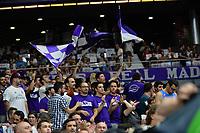 MADRID, ESPAÑA - 11 DE JUNIO DE 2017: La afición del Real Madrid durante el partido entre Real Madrid y Valencia Basket, correspondiente al segundo encuentro de playoff de la final de la Liga Endesa, disputado en el WiZink Center de Madrid. (Foto: Mateo Villalba-Agencia LOF)