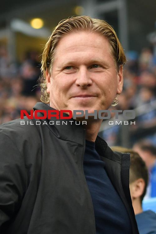 30.09.2016,  GER; 1.FBL Hamburger SV vs SV Werder Bremen im Bild Trainer Markus Gisdol (Hamburg)vor dem Spiel Foto © nordphoto / Witke
