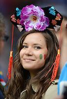 FUSSBALL  EUROPAMEISTERSCHAFT 2012   VORRUNDE Italien - Kroatien                    14.06.2012 Ein weiblicher italien Fan