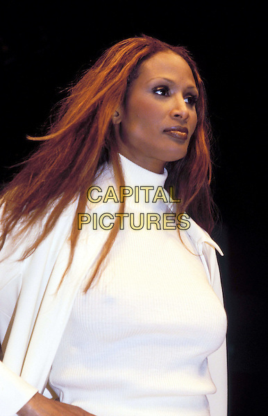 BEVERLY JOHNSON.Ref: CAP.supermodel, white turtleneck, high collar, half length, half-length.www.capitalpictures.com.sales@capitalpictures.com.© Capital Pictures