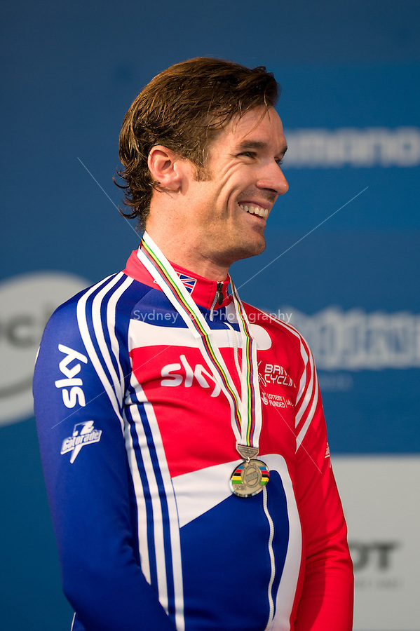 GEELONG, 30 SEPTEMBER - David Millar (GBR) smiles to the crowd with his silver medal at the 2010 UCI Road World Championships time trial event in Geelong, Victoria, Australia. (Photo Sydney Low / syd-low.com)