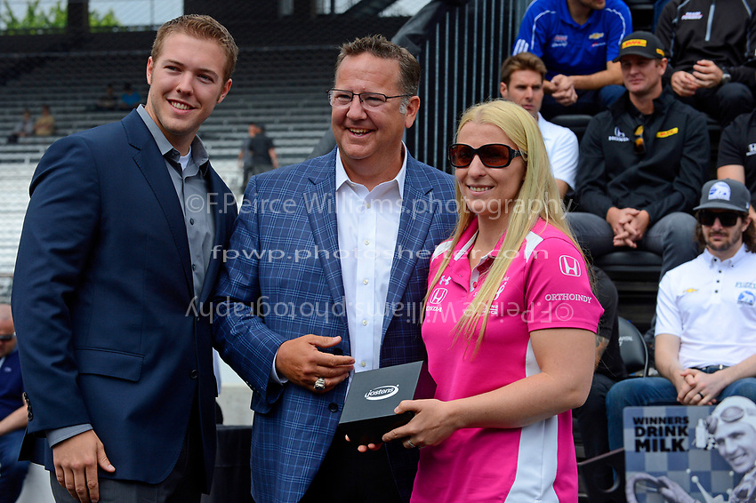 Verizon IndyCar Series<br /> Indianapolis 500 Drivers Meeting<br /> Indianapolis Motor Speedway, Indianapolis, IN USA<br /> Saturday 27 May 2017<br /> Starter's ring presentation: Pippa Mann, Dale Coyne Racing Honda<br /> World Copyright: F. Peirce Williams