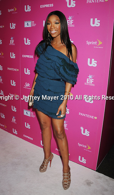 """HOLLYWOOD, CA. - November 18: Brandy arrives at US Weekly's Hot Hollywood """"Stars Who Care"""" Event at The Colony on November 18, 2010 in Los Angeles, California."""