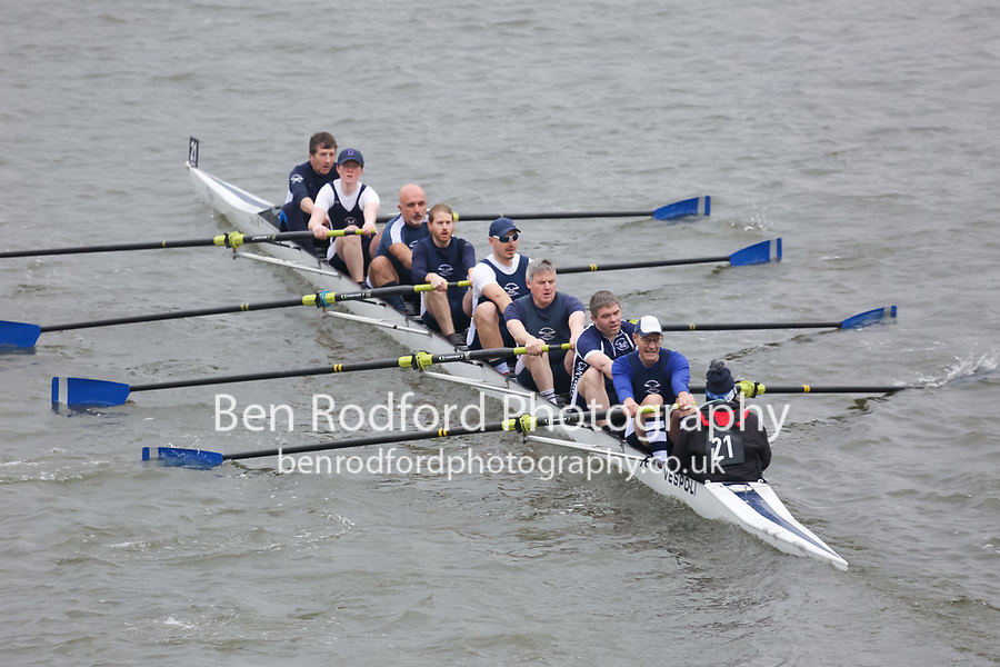 Crew: 21   Cantabrigian Rowing Club   MasC.8+<br /> <br /> Veterans' Head of the River Race 2018<br /> <br /> To purchase this photo, or to see pricing information for Prints and Downloads, click the blue 'Add to Cart' button at the top-right of the page.