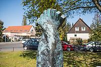 """Gedenkort in Berlin Neukoelln fuer den am 5. April 2012 von einem Unbekannten erschossenen Burak Bektas. Der Taeter hatte nacht auf eine Gruppe von Jugendlichen geschossen und mehrere von ihnen z.T. schwer verletzt; Burak Bestas starb an seinen Verletzungen.<br /> Die 180cm hohe, aus Bronze gegossene spiralfoermige Skulptur """"Algorithmus fuer Burak und aehnliche Faelle"""", wurde von der Berliner Kuenstlerin Zeynep Delibalta entworfen.<br /> 21.4.2020, Berlin<br /> Copyright: Christian-Ditsch.de<br /> [NUR FUER REDAKTIONELLE ZWECKE! Werbung nur auf Anfrage beim Fotografen. Inhaltsveraendernde Manipulation des Fotos nur nach ausdruecklicher Genehmigung des Fotografen. Vereinbarungen ueber Abtretung von Persoenlichkeitsrechten/Model Release der abgebildeten Person/Personen liegen nicht vor. NO MODEL RELEASE! Don't publish without copyright Christian-Ditsch.de, Veroeffentlichung nur mit Fotografennennung, sowie gegen Honorar, MwSt. und Beleg. Konto: I N G - D i B a, IBAN DE58500105175400192269, BIC INGDDEFFXXX, Kontakt: post@christian-ditsch.de<br /> Bei der Bearbeitung der Dateiinformationen darf die Urheberkennzeichnung in den EXIF- und  IPTC-Daten nicht entfernt werden, diese sind in digitalen Medien nach §95c UrhG rechtlich geschuetzt. Der Urhebervermerk wird gemaess §13 UrhG verlangt.]"""