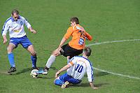 "VOETBAL: BALK: Voetbalcomplex ""de Wilgen"", 27-04-2013, KNVB 1ste Klasse E district Noord, VV Balk -VV Drachtster Boys, Einduitslag 1-2, Peter Jansen Klomp (#19 | DB), Rene Geertsma (#10 | Balk), ©foto Martin de Jong"
