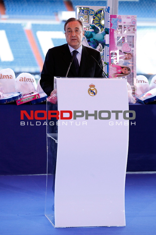 Real Madrid¬¥s President Florentino Perez attends the presentation of No kids without a present on Christmas campaign at Bernabeu stadium in Madrid, Spain. December 16, 2013. Foto © nph / Victor Blanco)