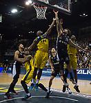 05.01.2020, EWE Arena, Oldenburg, GER, easy Credit-BBL, EWE Baskets Oldenburg vs Hamburg Towers, im Bild<br /> Michael CARRERA (Hamburg Towers #24 ) Rickey PAULDING (EWE Baskets Oldenburg #23 ) Armani MOORE (EWE Baskets Oldenburg #2 ) Justin SEARS (EWE Baskets Oldenburg #5 ) Bogdan RADOSAVLJEVIC (Hamburg Towers #15 )<br /> Foto © nordphoto / Rojahn