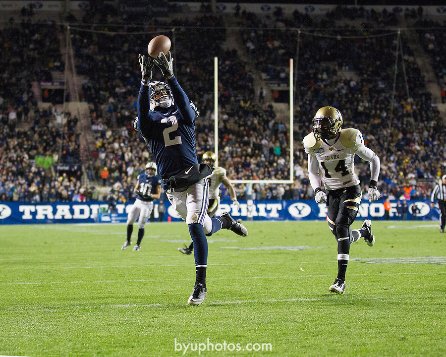 _SW11139.jpg..2011 Football - BYU vs Idaho..BYU-42.Idaho-7..November 12, 2011..Photo by Jaren Wilkey/BYU..© BYU PHOTO 2011.All Rights Reserved.photo@byu.edu  (801)422-7322