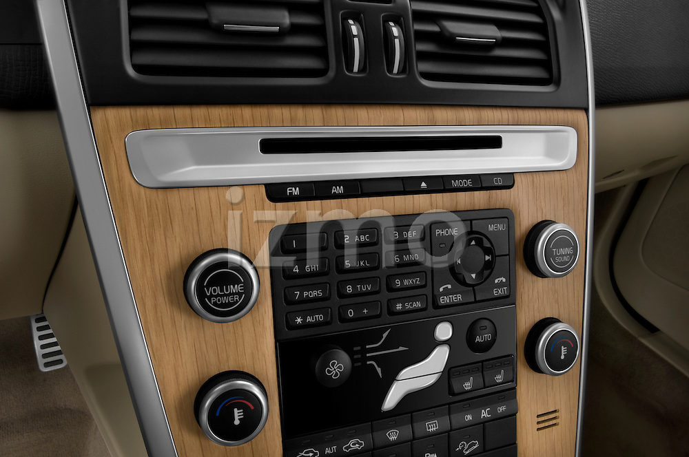 Stereo audio system close up detail view of a 2009 Volvo XC 60