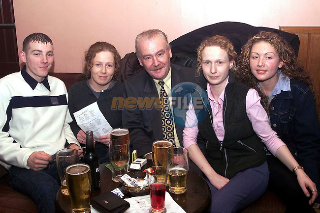 Jason Lowney, Jennifer Moore, Tommy Moore, Lynn Moore and Niamh Hartmette at the Labour Race Night in McHugh's..Picture Paul Mohan Newsfile