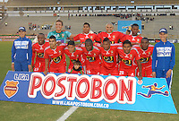 TUNJA - COLOMBIA -19 -11-2013: Los jugador de Patriotas FC posan para una foto durante partido por la sexta fecha  de la Liga Postobon I-2014, jugado en el estadio La Independencia de la ciudad de Tunja. / The players of Patriotas FC, pose for a photo during a match for the sixth date of the Liga Postobon I-2014 at the La Independencia  stadium in Tunjacity, Photo: VizzorImage  / Jose M. Palencia / Str. (Best quality available)