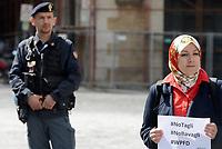 Roma, 3 Maggio 2019<br /> Asmae Dachan, giornalista e scrittrice siriana.<br /> Giornaliste e giornalisti protestano per chiedere alle istituzioni europee di impegnarsi di più per la libertà di stampa e per dire no a minacce e aggressioni contro croniste e cronisti durante la Giornata Mondiale per la libertà di Stampa.