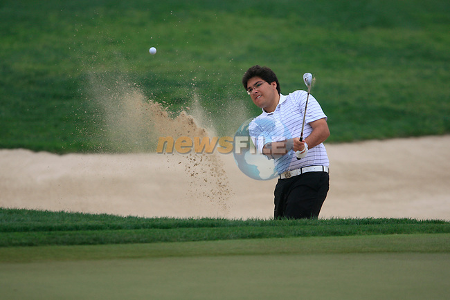 Khalid Yousuf chips out of a bunker at the 8th green during Thusday Day 1 of the Abu Dhabi HSBC Golf Championship, 20th January 2011..(Picture Eoin Clarke/www.golffile.ie)