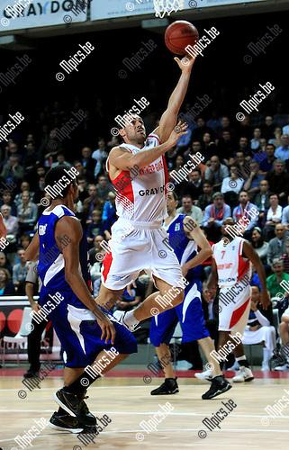 2010-10-05 / Basketbal / seizoen 2010-2011 / Euro Challenge / Antwerp Giants - Minsk / Roel Moors scoort voor de Giants..Foto: Mpics