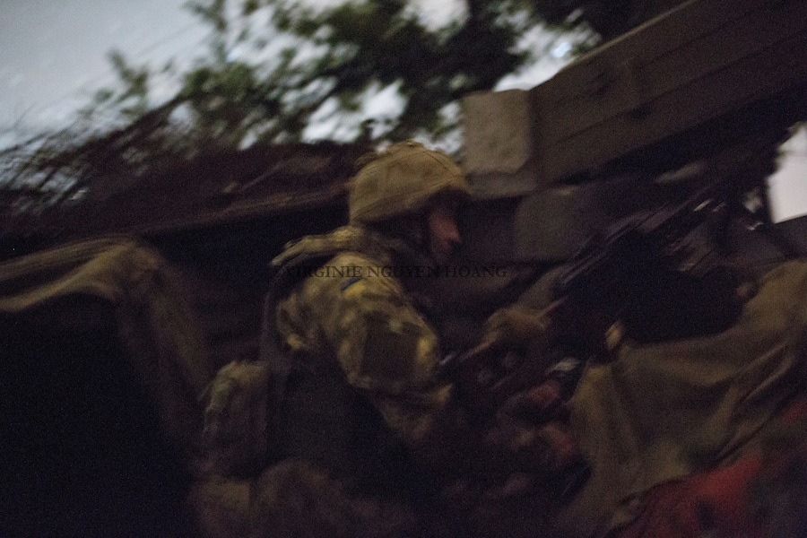 UKRAINE, Pisky: Position of the automatic machine gun during the night shift in the trenches position.<br /> <br /> UKRAINE, Pisky: Position du machine gun automatique pendant le shift de nuit dans la position des tranch&eacute;es.