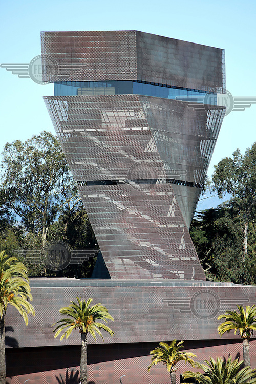 The De Young Museum at Golden Gate Park, part of the Fine Arts Museums of San Francisco (FAMSF), California.