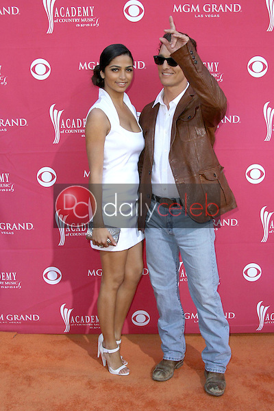 Camilla Alves and Matthew McConaughey<br />