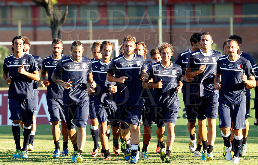 I calciatori della Nazionale italiana si scaldano durante un allenamento in vista della partita amichevole tra Italia ed Argentina in programma allo stadio Olimpico il 14 agosto, a Roma, 12 agosto 2013.<br /> Italy's players run during a training session ahead of a friendly football match between Italy and Argentina, scheduled at the Olympic stadium on 14 August, in Rome, 12 August 2013. <br /> UPDATE IMAGES PRESS/Riccardo De Luca