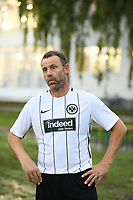 Büttelborn 25.08.2017: SKV Old Boys vs. Eintracht Frankfurt Traditionsmannschaft<br /> Manfred Binz (Eintracht Frankfurt Traditionsmannschaft)<br /> Foto: Vollformat/Marc Schüler, Schäfergasse 5, 65428 R'heim, Fon 0151/11654988, Bankverbindung KSKGG BLZ. 50852553 , KTO. 16003352. Alle Honorare zzgl. 7% MwSt.