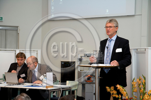 STOCKHOLM - SWEDEN - 27 OCTOBER 2009 -- Jorma Karppinen, Director for Eurofound, speaking at the conference on Sustainable work - a challenge in times of economic crises. Sitting at the table from left JoakimPalme, Director, Swedish Institutefor Future Studies, and Kenneth Abrahamsson, Programme Director, FAS.   PHOTO: ERIK LUNTANG / EUP-IMAGES