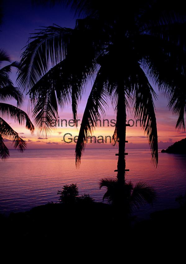 Thailand, island Ko Pha Ngan, sunrise at Thong Nai Pan Yai bay