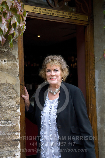 Dame Ann Leslie at the Galleria, Woodstock during the Woodstock Literary Festival, Oxfordshire, UK on 17 September 2011...PHOTO COPYRIGHT GRAHAM HARRISON .graham@grahamharrison.com.+44 (0) 7974 357 117.Moral rights asserted.
