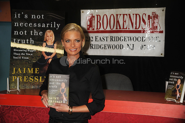 Jaime Pressly signs copies of her new book 'It's Not Necessarily Not The Truth' at Bookends in Ridgewood, New Jersey. March 19, 2009 Credit: Dennis Van Tine/MediaPunch