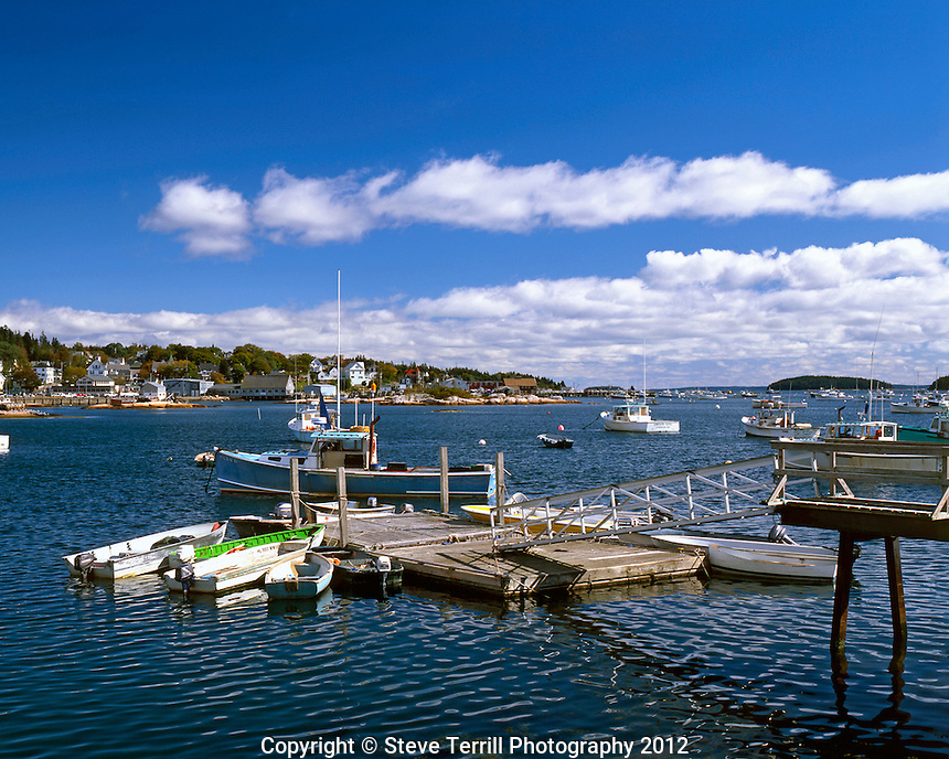 USA, Maine, commercial and pleasure boats in harbor at Stonington.