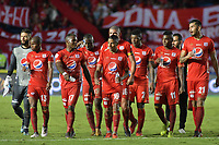 CALI - COLOMBIA, 21-04-2019: Jugadores del América abandonan el campo de juego después del partido por la fecha 17 de la Liga Águila I 2019 entre América de Cali y Millonarios jugado en el estadio Pascual Guerrero de la ciudad de Cali. / Players of America leave the field after the match for the date 17 as part of Aguila League I 2019 between America Cali and Millonarios played at Pascual Guerrero stadium in Cali. Photo: VizzorImage / Nelson Rios / Cont