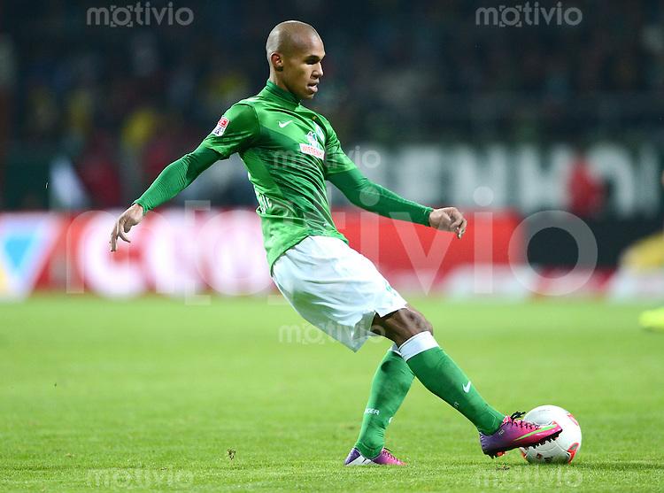 FUSSBALL   1. BUNDESLIGA   SAISON 2012/2013    18. SPIELTAG SV Werder Bremen - Borussia Dortmund                   19.01.2013 Eljero Elia (SV Werder Bremen)  am Ball