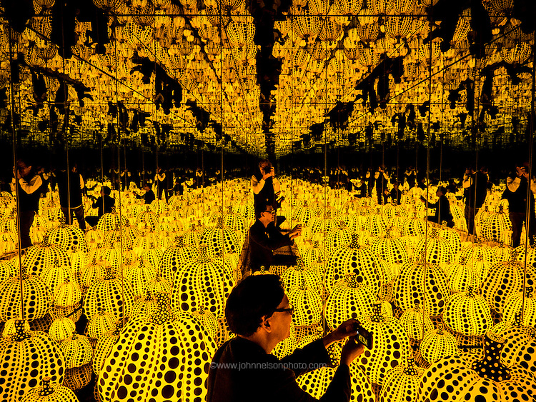 All the Eternal Love I Have for the Pumpkins, Yayoi Kusama Infinity Mirrors exhibit Washington DC 2017