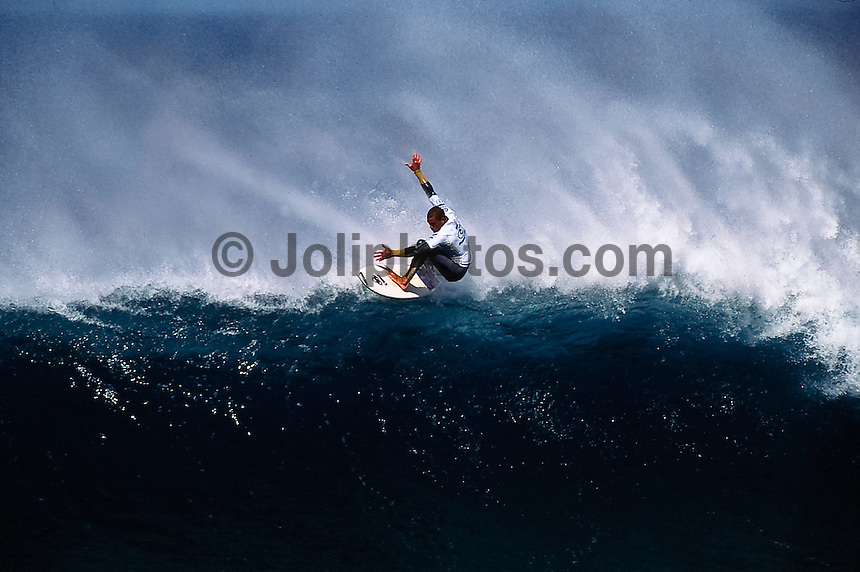 KELLY SLATER (USA).surfing during the Rip Curl Pro at Bells beach circa 2002. photo Joliphotos.com