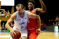 GRONINGEN - Basketbal, Donar - Spirou Basket, Martiniplaza, Europe Cup, seizoen 2018-2019, 20-11-2018, Donar speler Drago Pasalic met Spirou speler Dario Hunt